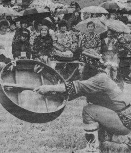 Пайрам в Мысках в июне 1994 года выступает Михаил Торушпанов